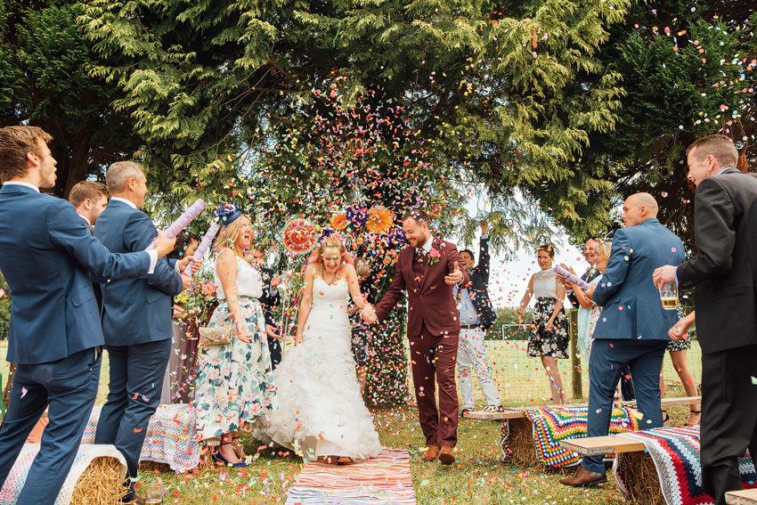Confetti canons wedding